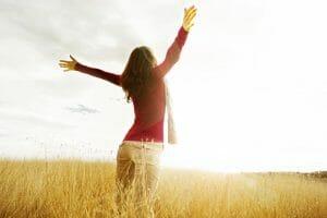 simplify your life/happy woman/sanespaces.com